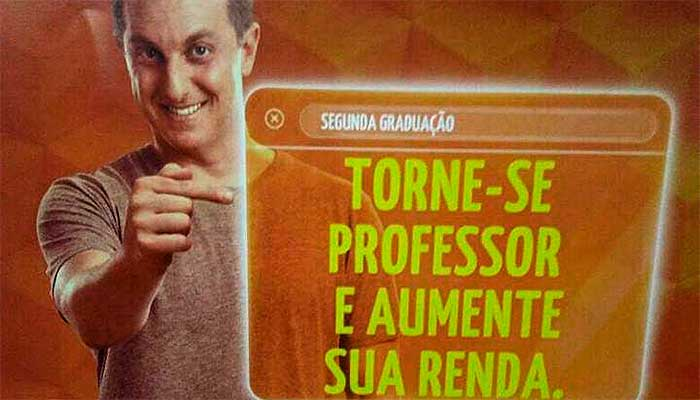 """Anúncio da rede Anhanguera, oferecendo formação de professores como """"segunda carreira"""" - foto: reprodução"""