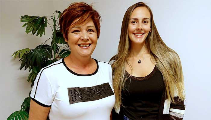 Silvia de Paula e Danielle Vieira, que vêm a São Paulo estudar toda semana, a partir de Marília e de Bragança Paulista, respectivamente - Foto: Paulo Silvestre